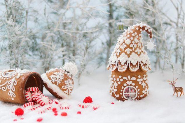 DIY Gingerbread House - Using a mason JAR - Christmas Gift IDEA