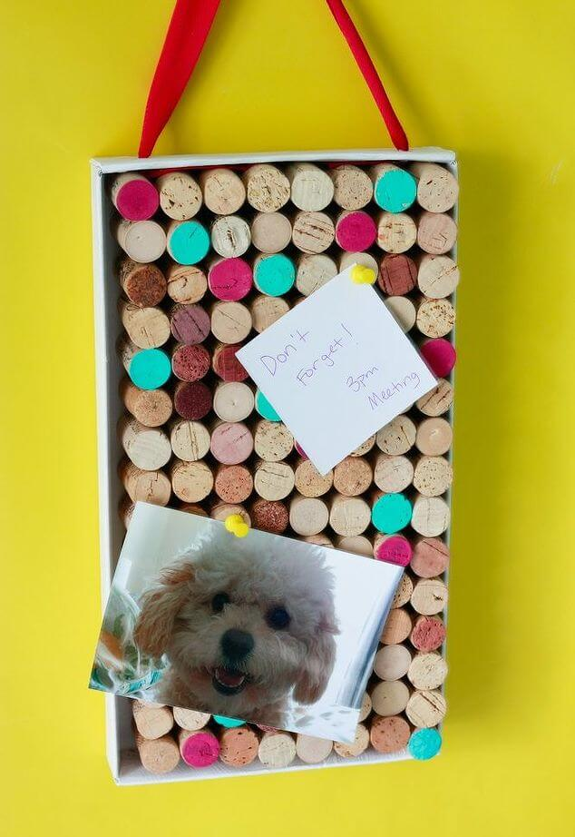 DIY Bulletin Board From Wine Corks