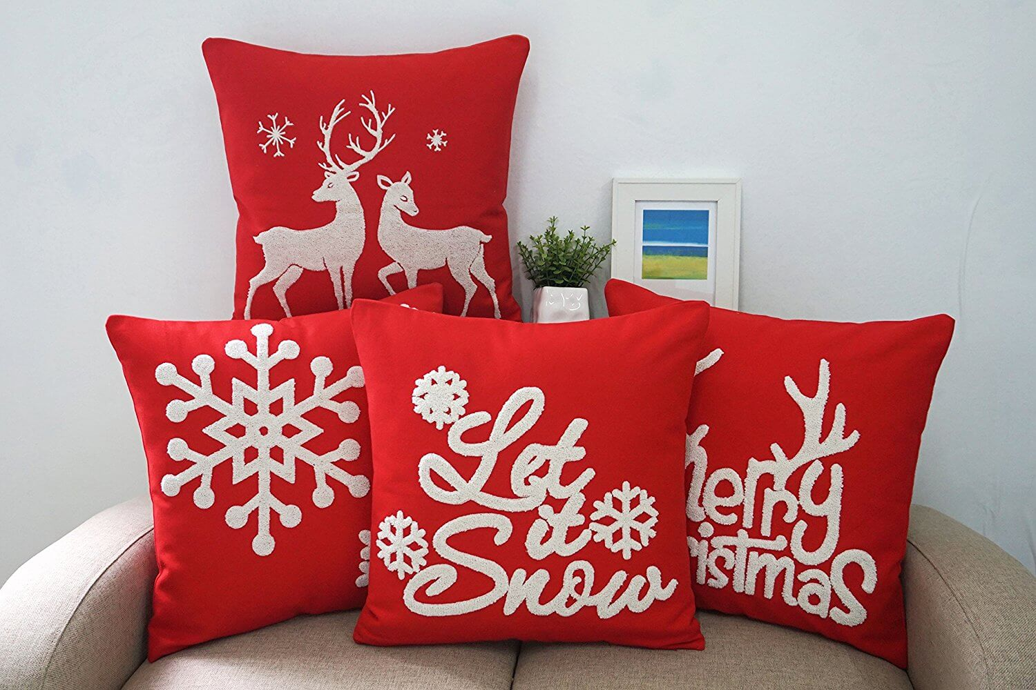 Diy Decorative Christmas Pillows : DIY Felt Holiday Pillows - Christmas DIY