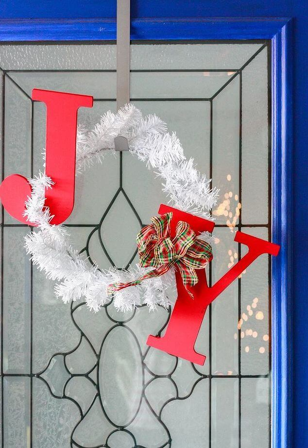 DIY JOY Holiday Wreath - Christmas DIY (6)