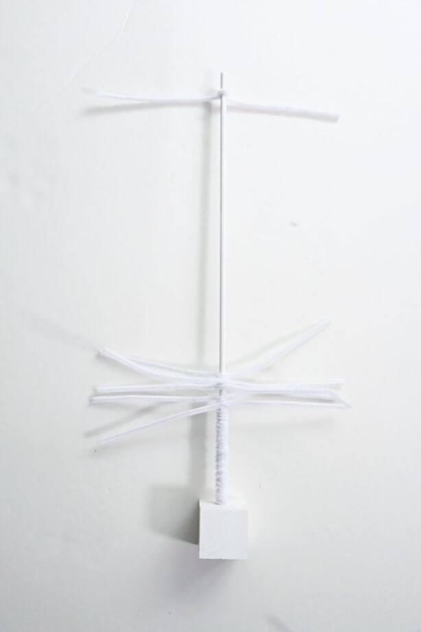 DIY Pipe Cleaner Christmas Tree (5)