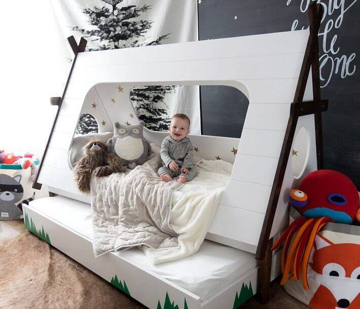 Children's Beds in The Form Of A House
