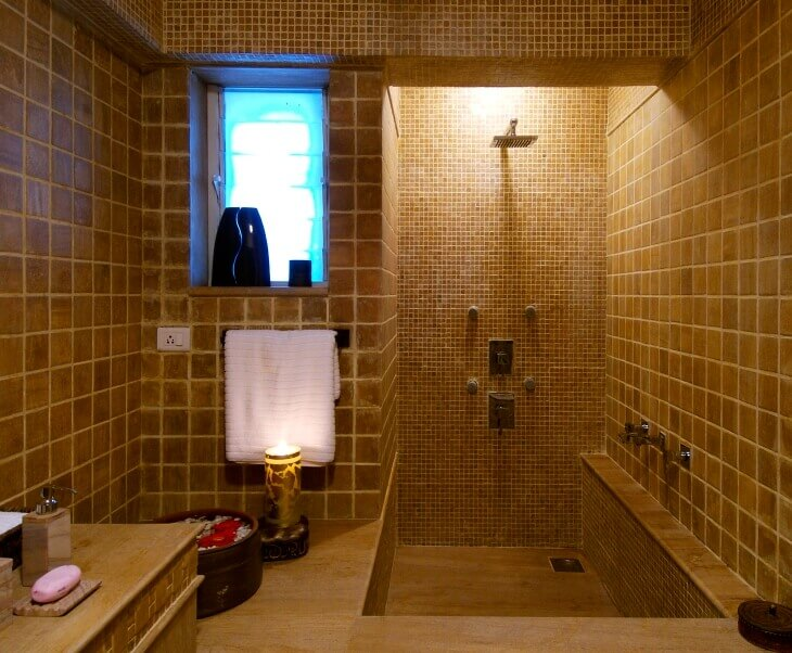 12 Ideas For a Small Bathroom That Will Make It Bigger
